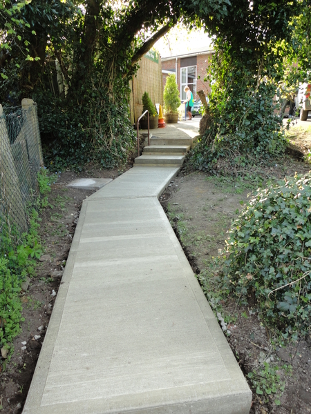 Gbw landscaping gallery of recently completed garden for Cement garden paths