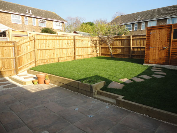 Gbw landscaping gallery of recently completed garden for Garden makeover