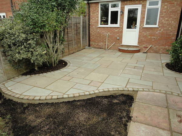 Garden Patio Ideas Uk Gbw landscaping gallery of recently completed garden design and curving patio 1 workwithnaturefo