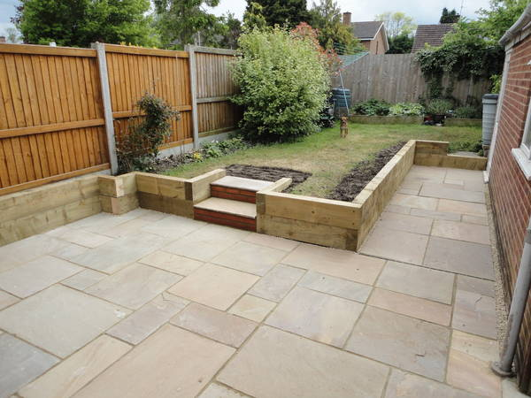 Gbw landscaping gallery of recently completed garden for Sleeper garden bed designs